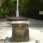 Sphinx war memorial and flag pole (25304)
