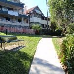 Grand homes to enjoy in Cremorne Reserve (259517)